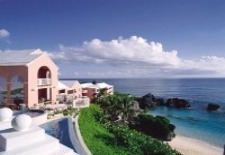 $199+: Top-Rated Bermuda Hotel w/Daily Breakfast This Winter