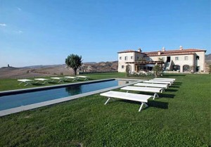 ShermansTravel Exclusive: Half-Price Luxury Tuscany Villa Rental in May