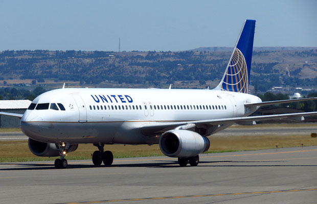 United Offers Yearly Subscription Fee for Checked Baggage – Is It Worth It?