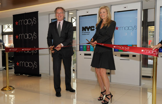 Stopping By NYC's New Visitor's Center at Macy's
