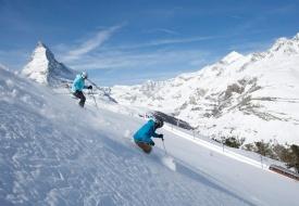 Skiing Zermatt, from Switzerland to Italy